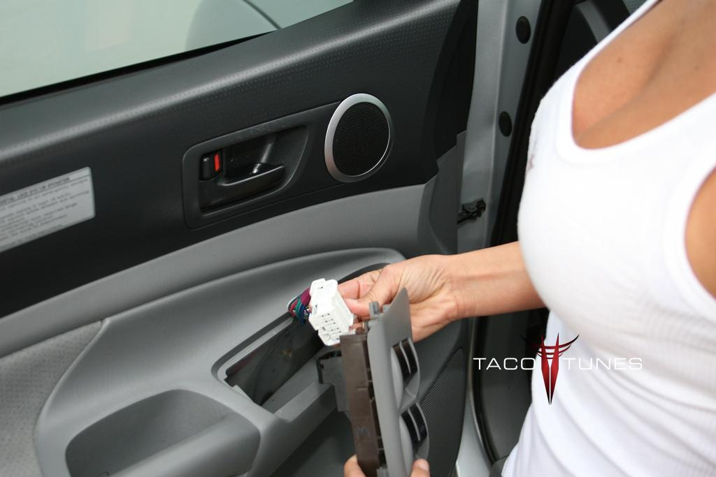 toyota camry how to remove door panel and install speakers taco tunes toyota audio solutions. Black Bedroom Furniture Sets. Home Design Ideas