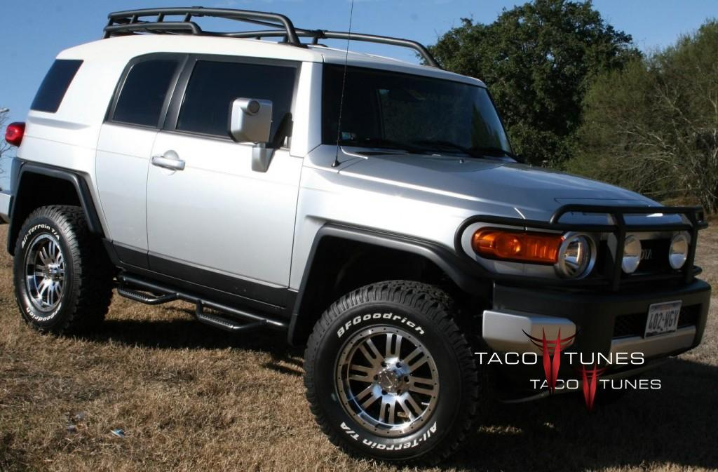 Daves Toyota FJ Cruiser 4x4 with tacotunes audio system