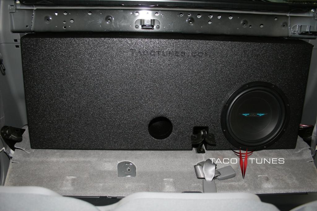 toyota tacoma ported subwoofer box image dynamics idq12v4 12. Black Bedroom Furniture Sets. Home Design Ideas