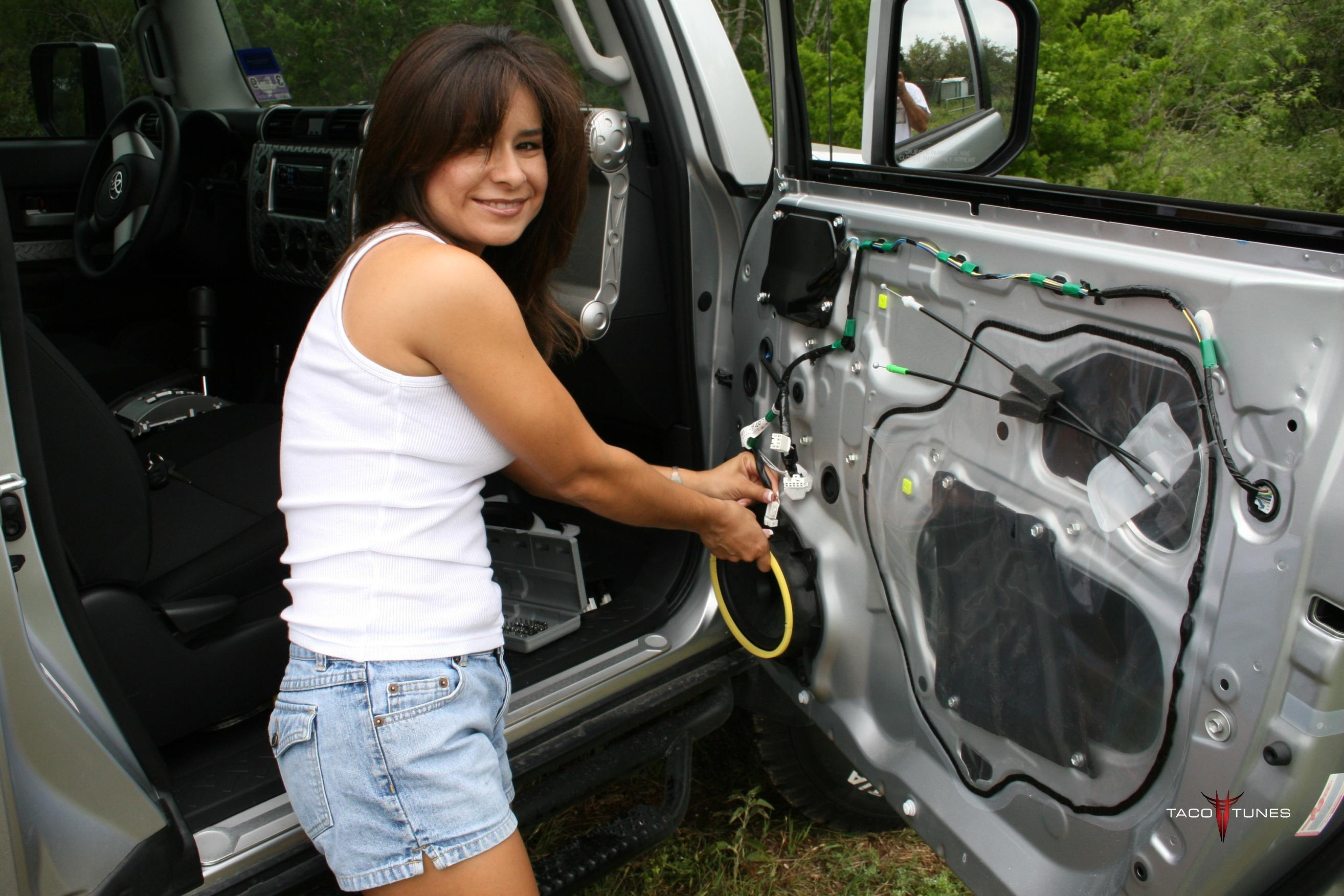 how to install speakers toyota fj cruiser 29 taco tunes toyota audio solutions. Black Bedroom Furniture Sets. Home Design Ideas