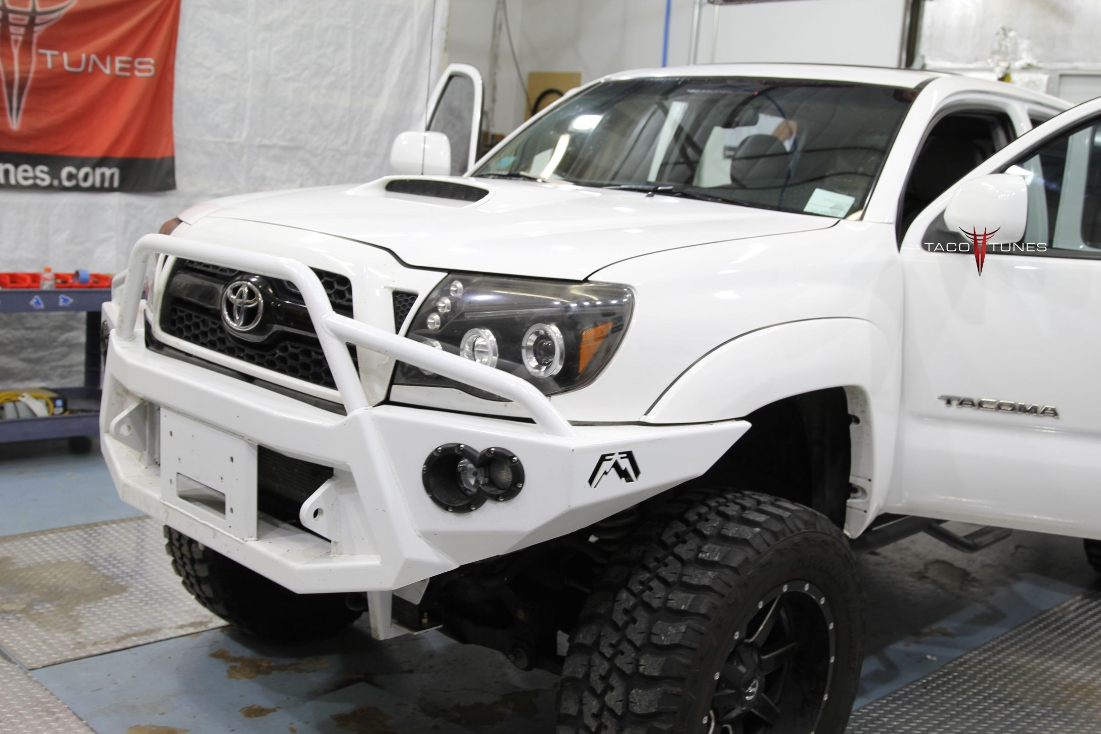 2011 toyota tacoma double cab trd sport for sale taco. Black Bedroom Furniture Sets. Home Design Ideas