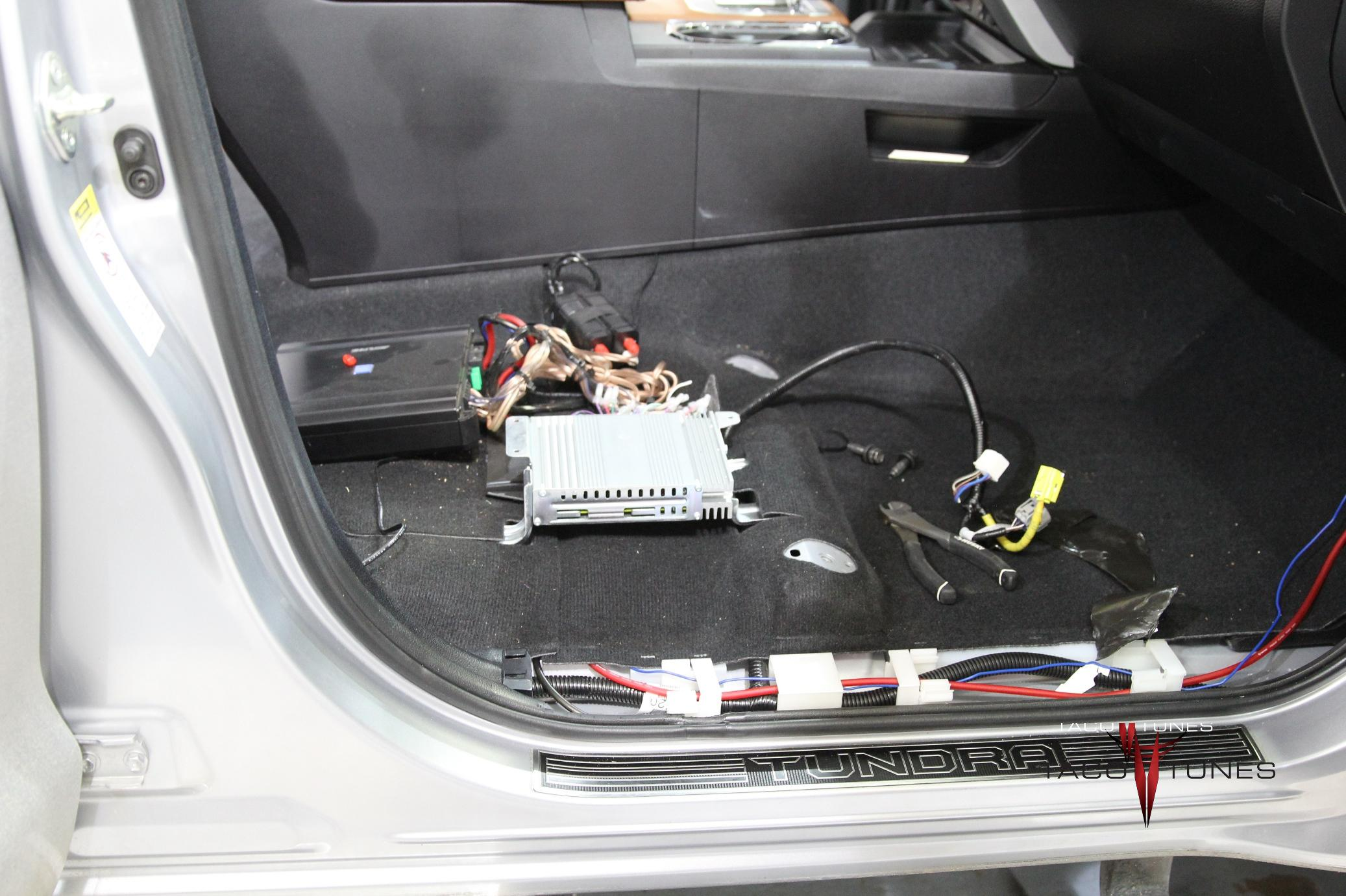 toyota tundra jbl wiring harness repair before picture 0. Black Bedroom Furniture Sets. Home Design Ideas